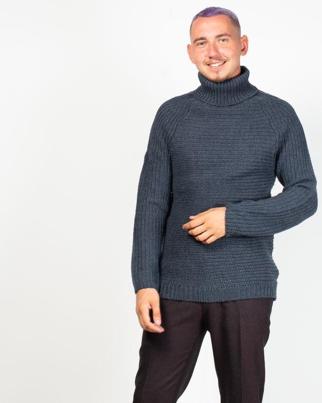 Pulover-tricotat-cu-maneca-lunga-si-guler-inalt