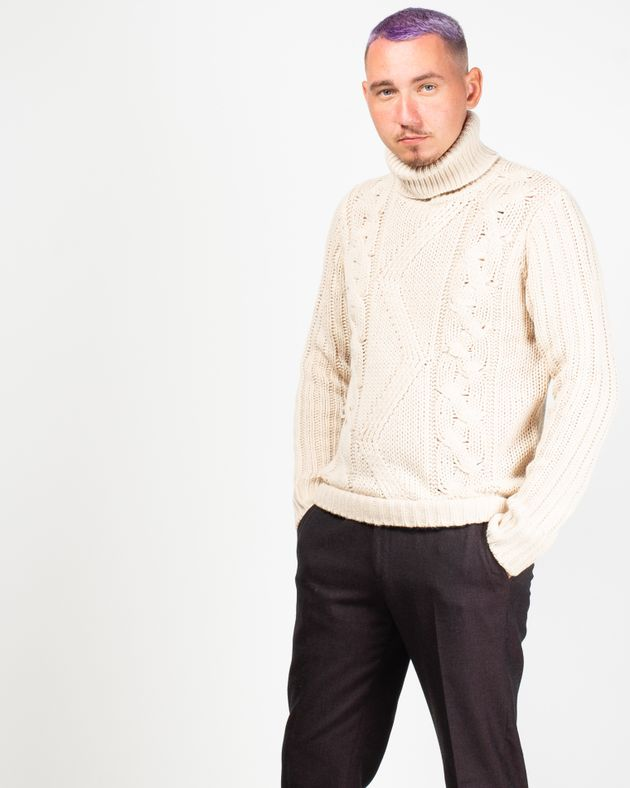 Pulover-tricotat-cu-guler-si-maneca-lunga