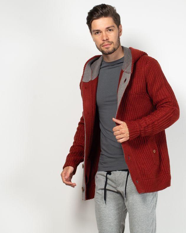 Cardigant-tricotat-foarte-gros-cu-gluga-si-nasturi