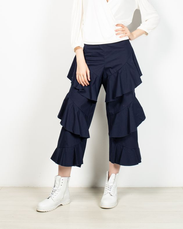 Pantaloni-cu-volane