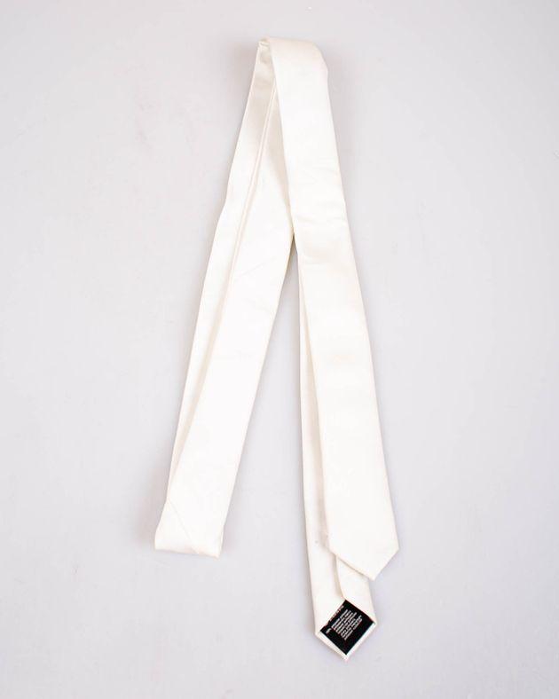 Cravata-alba