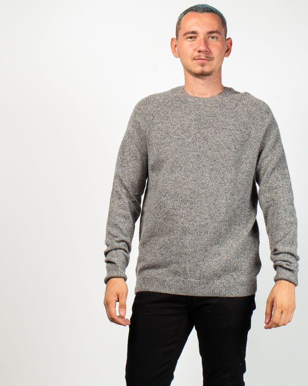 Pulover-tricotat-din-lana