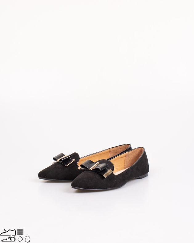 Pantofi-cu-talpa-joasafunda-si-varf-ascutit