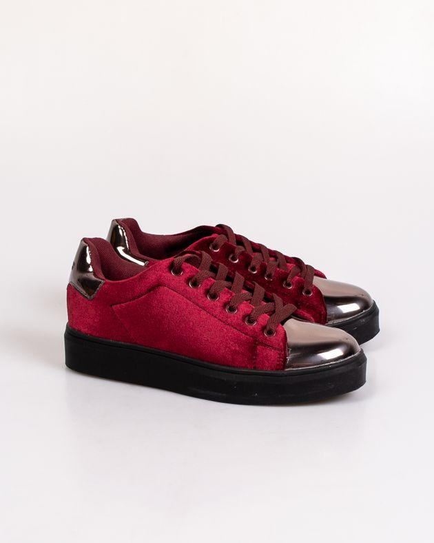 Pantofi-cu-talpa-inalta-si-cu-siret