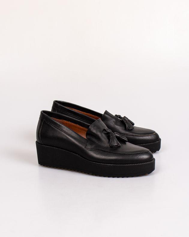 Pantofi-din-piele-cu-talpa-inalta