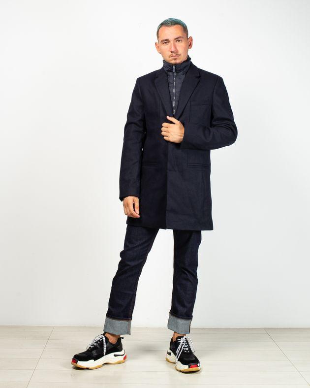 Palton-captusit-cu-nasturi-ascunsi-si-fermoar-detasabil