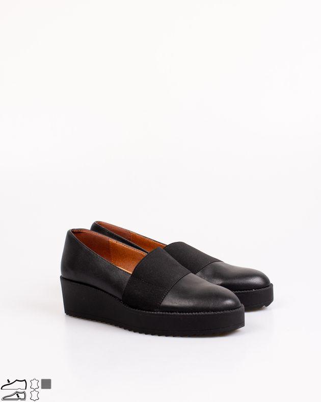 Pantofi-cu-extensie-elastica-si-varf-rotund