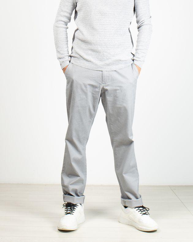 Pantaloni-cu-imprimeu-si-buzunare