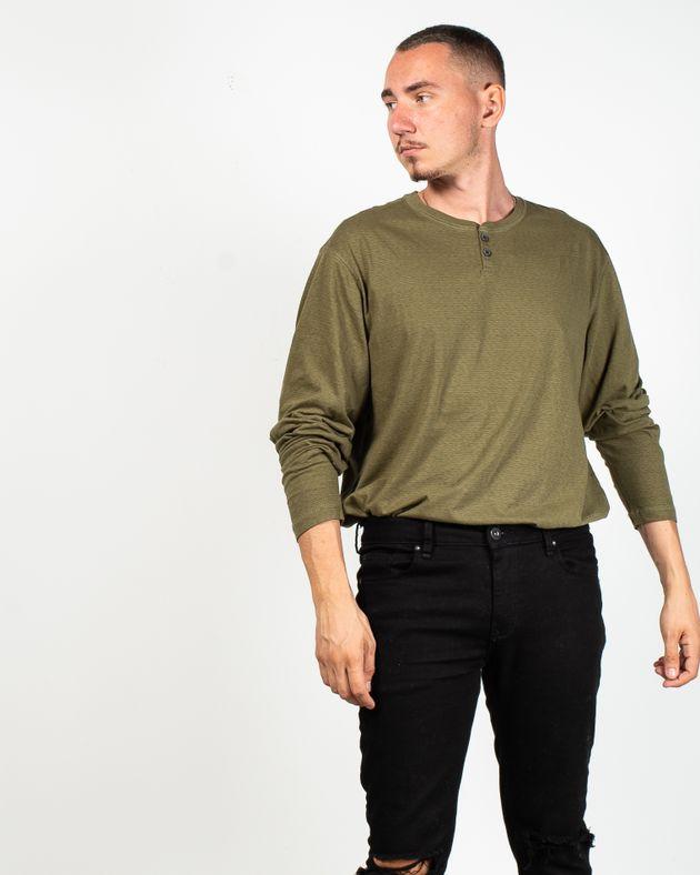 Bluza-casual-cu-maneca-lunga-si-nasturi-la-baza-gatului