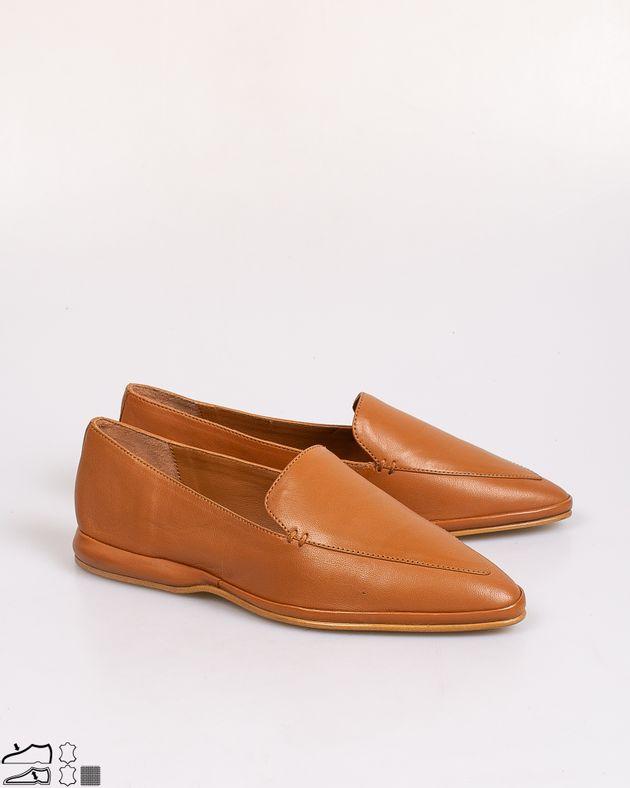 Pantofi-din-piele-naturala-cu-talpa-joasa-si-varf-ascutit