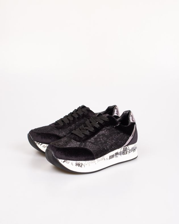 Pantofi-sport-cu-talpa-inalta