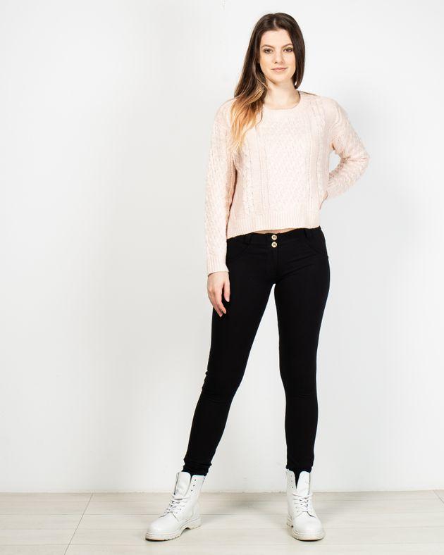 Pantaloni-modelatori-cu-nasturi-si-fermoar-in-talie