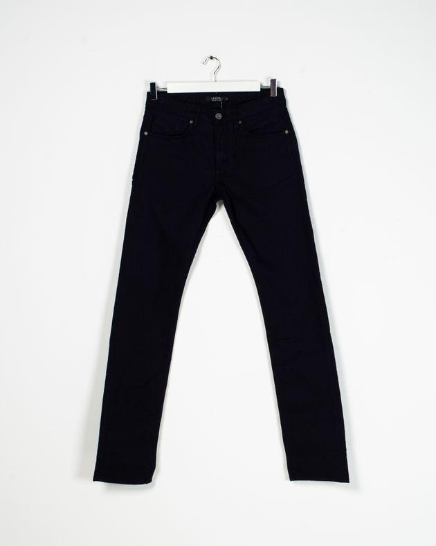 Pantaloni-barbati-cu-buzunare