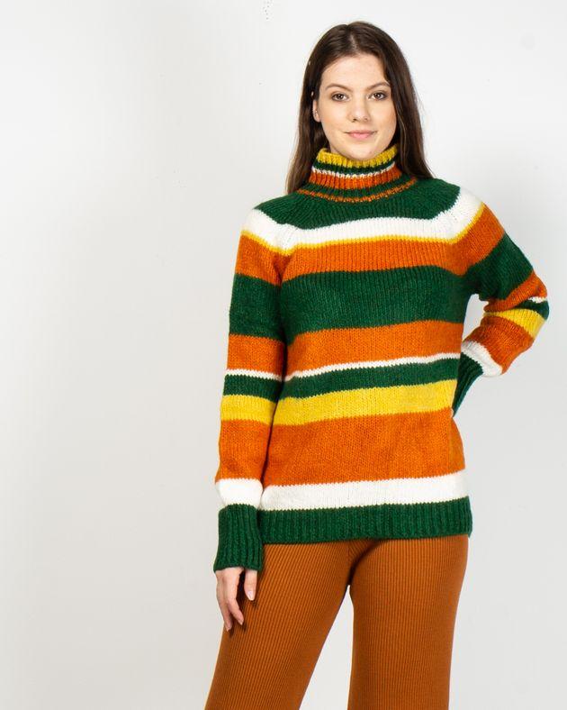 Pulover-gros-tricotat-cu-maneca-lunga-si-guler