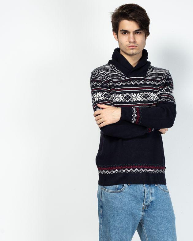 Pulover-tricotat-cu-guler-si-model-aztec