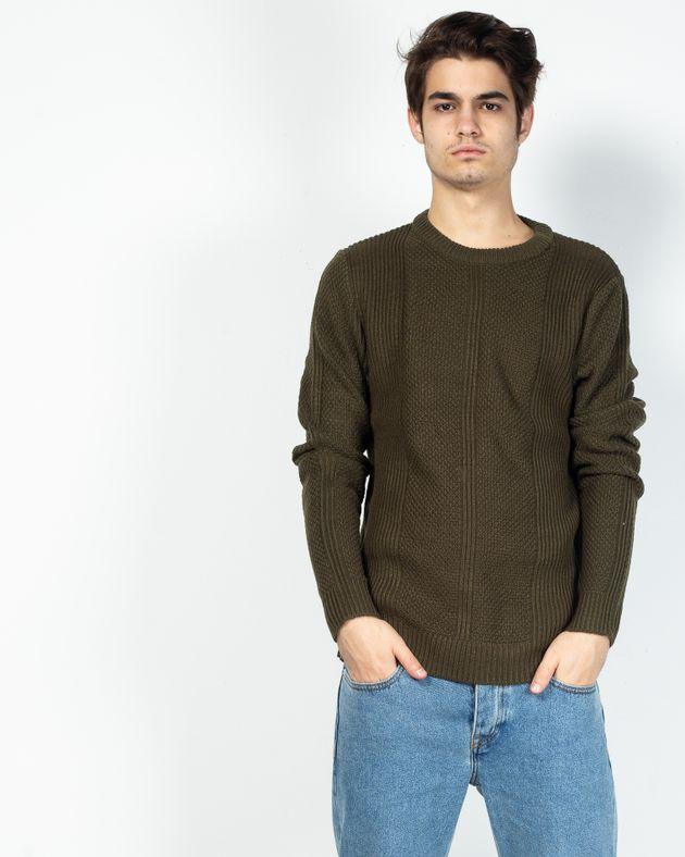 Pulover-tricotat-pentru-barbati