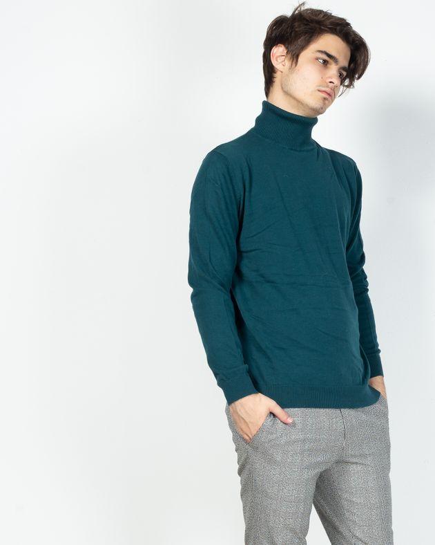Pulover-tricotat-fin-cu-guler-inalt