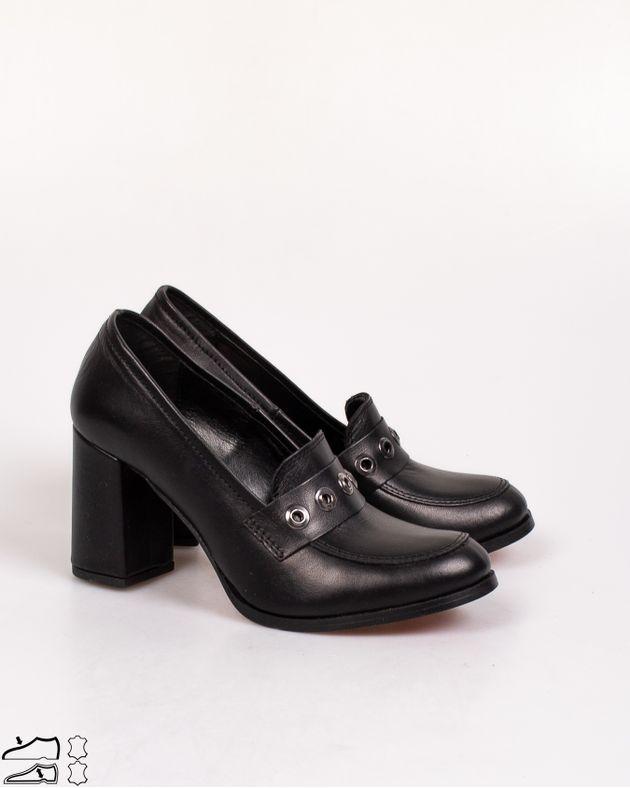 Pantofi-din-piele-naturala-cu-toc-bloc-si-aplicatii-metalice