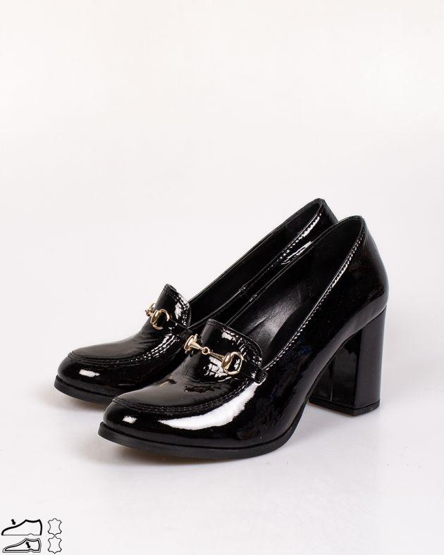 Pantofi-din-piele-naturala-lacuita-cu-detaliu-metalic