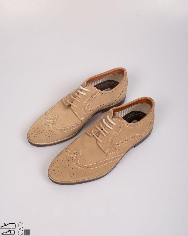 Pantofi-din-piele-intoarsa-cu-siret-si-model-perforat
