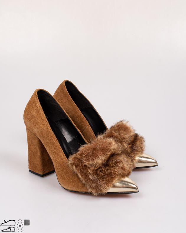 Pantofi-din-piele-naturala-cu-blana-aplicata-si-toc