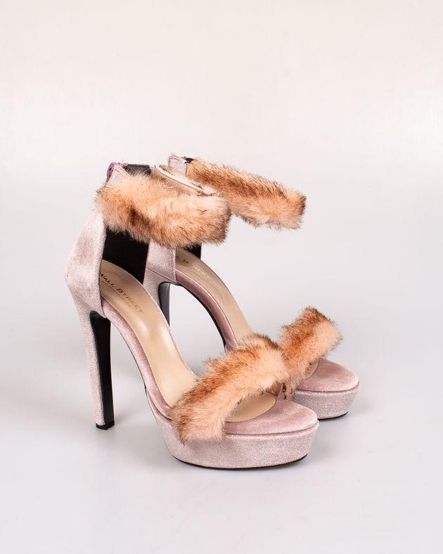 Sandale-din-catifea-cu-barete-cu-blana-aplicata-si-fermoar-la-spate