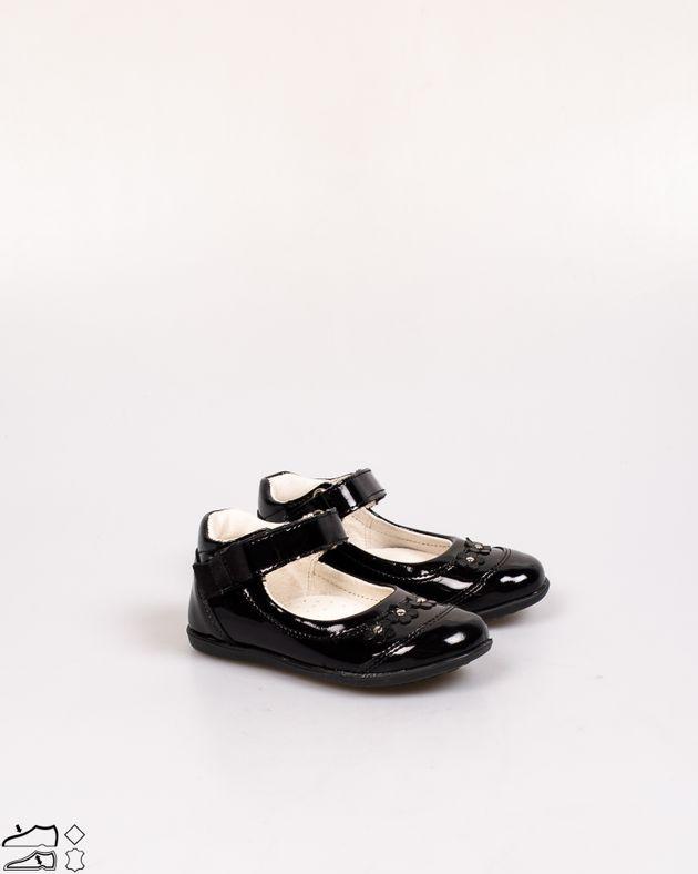 Pantofi-usori-cu-aspect-lacuit-pentru-fete