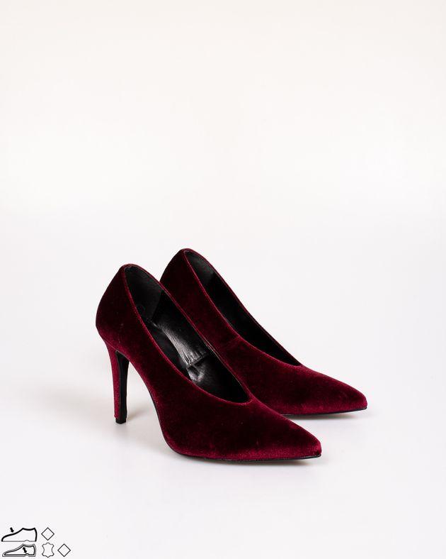 Pantofi-dama-cu-toc-inalt-si-varf-ascutit
