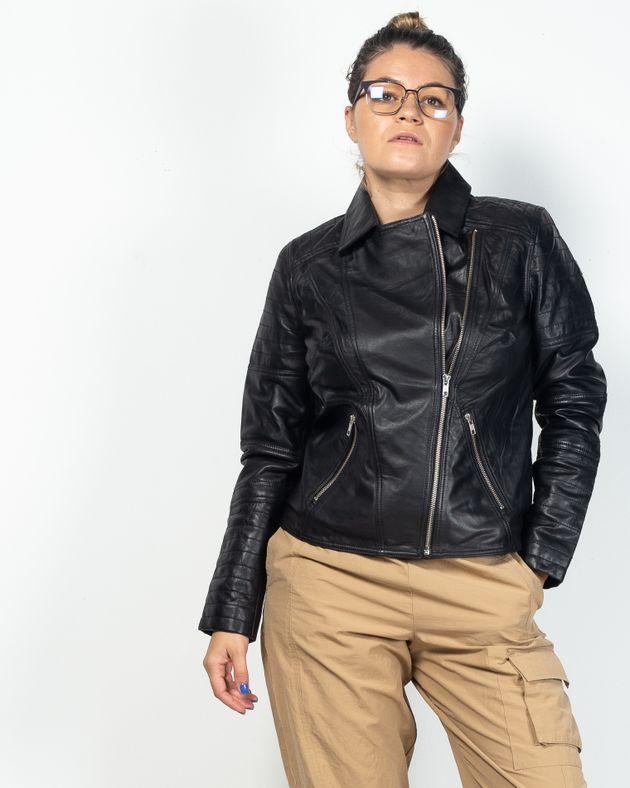 Jacheta-din-piele-naturala-cu-buzunare-si-fermoar