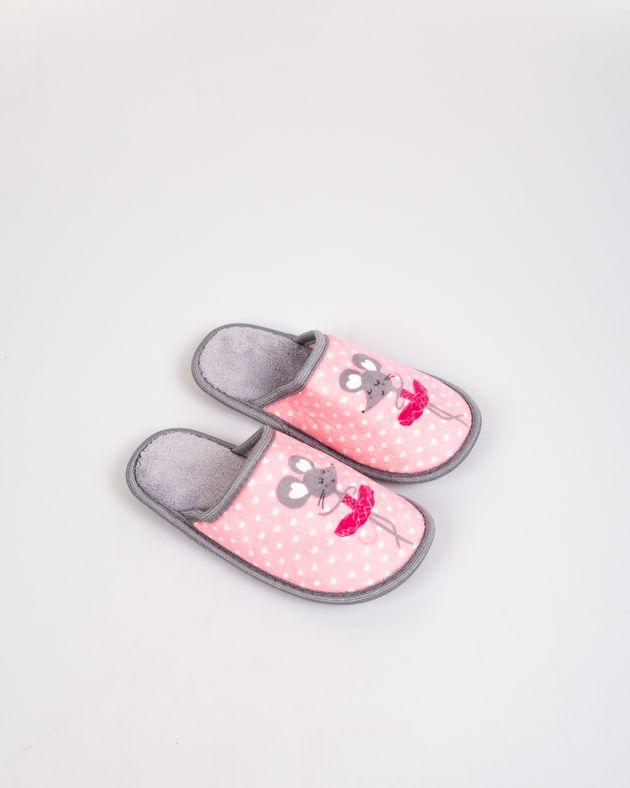 Papuci-de-casa-caldurosi-pentru-fete