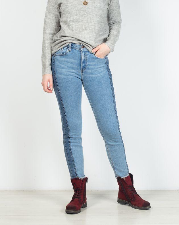 Jeans-skinny-din-demin-cu-buzunare