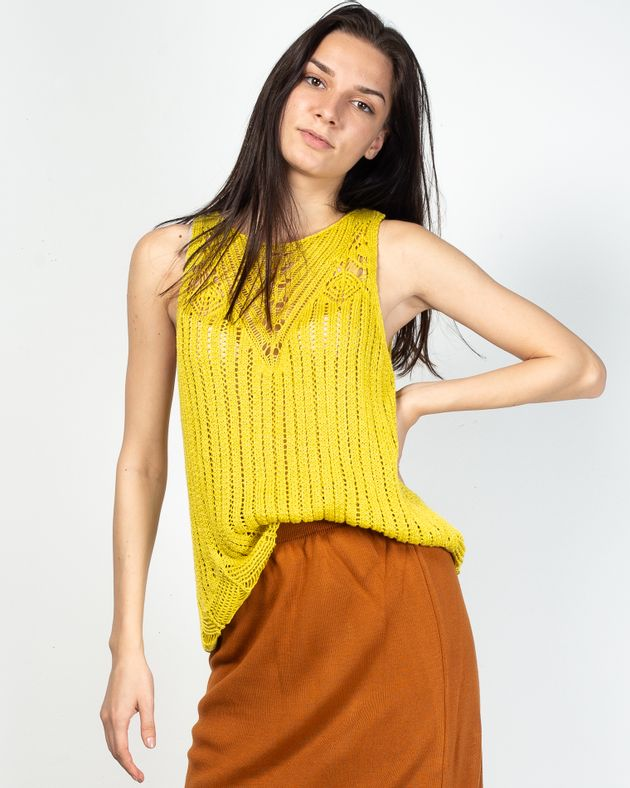 Bluza-tricotatacu-decolteu-si-snur-la-spate