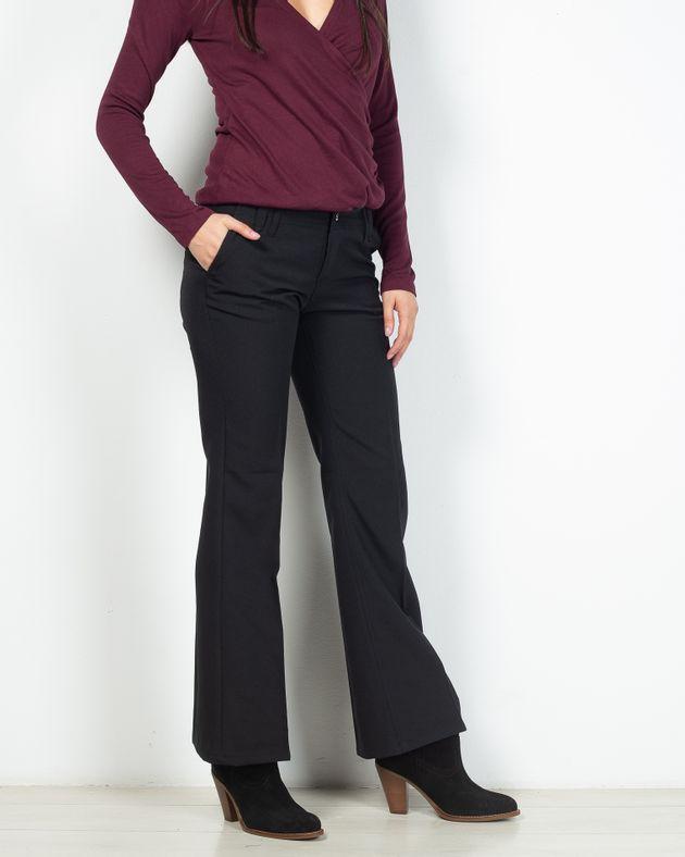 Pantaloni-evazati-cu-buzunare-2025005023
