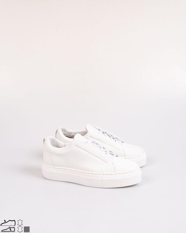 Pantofi-din-piele-naturala-cu-talpa-groasa-si-varf-rotund-2031003001