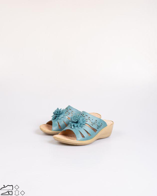 Papuci-usori-cu-platforma-si-barete-perforate-2030902023