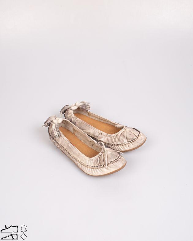 Pantofi-din-piele-naturala-cu-funda-si-ciucuri-la-spate-N903313001