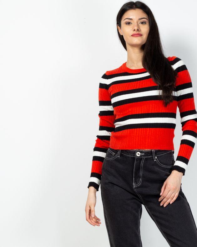 Pulover-tricotat-cu-dungi-2102018007